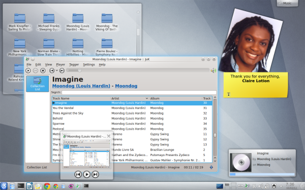 Plasma Desktop with Dolphin and Gwenview
