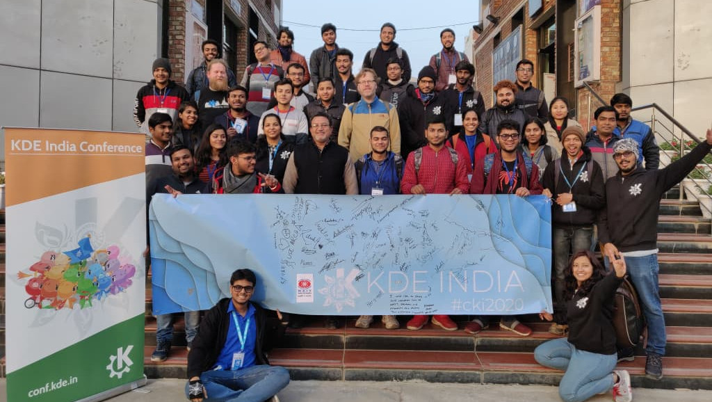 Conf.KDE.in group photo